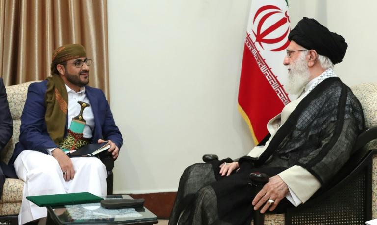 Irans Khamenei meets Yemen rebels after blow for Saudi coalition