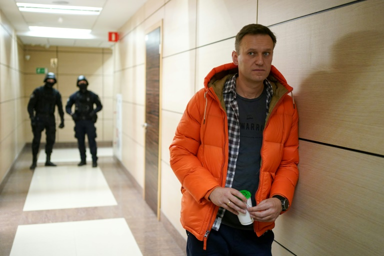 Russia raids offices of Kremlin critic Navalny