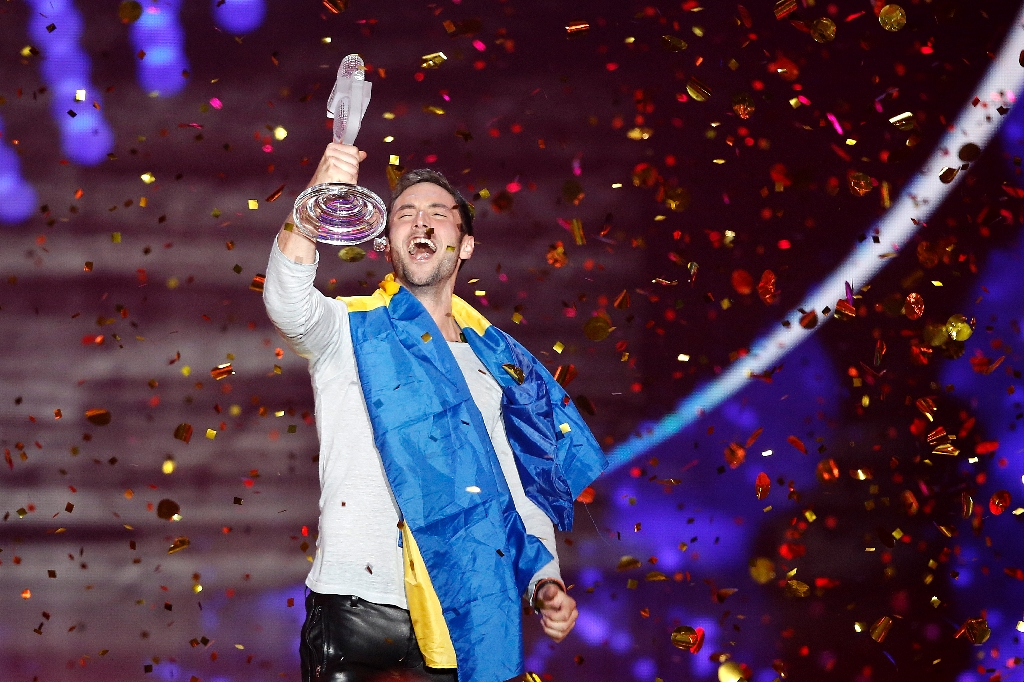 Sweden narrowly beats Russia in Eurovision nail-biter