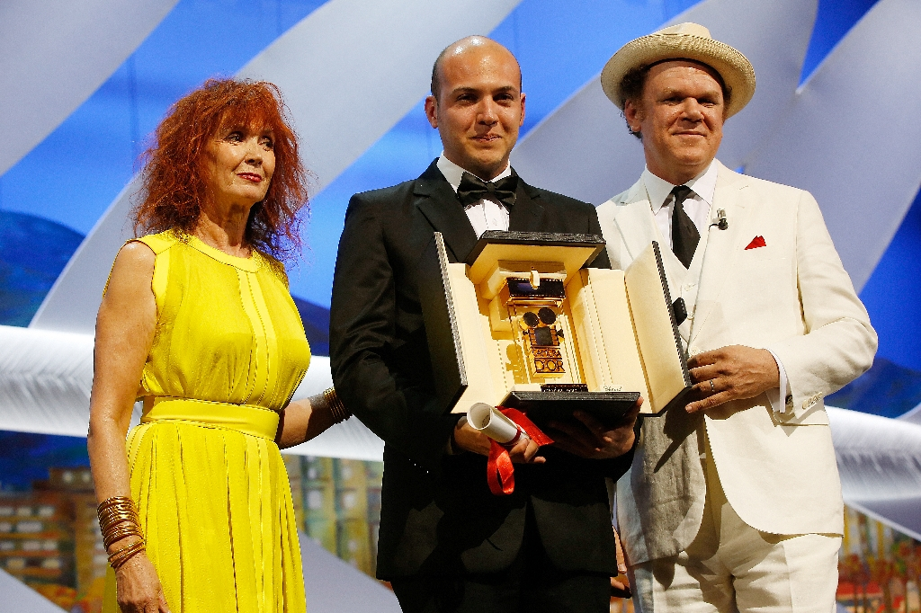 Cannes closes with glittering ceremony