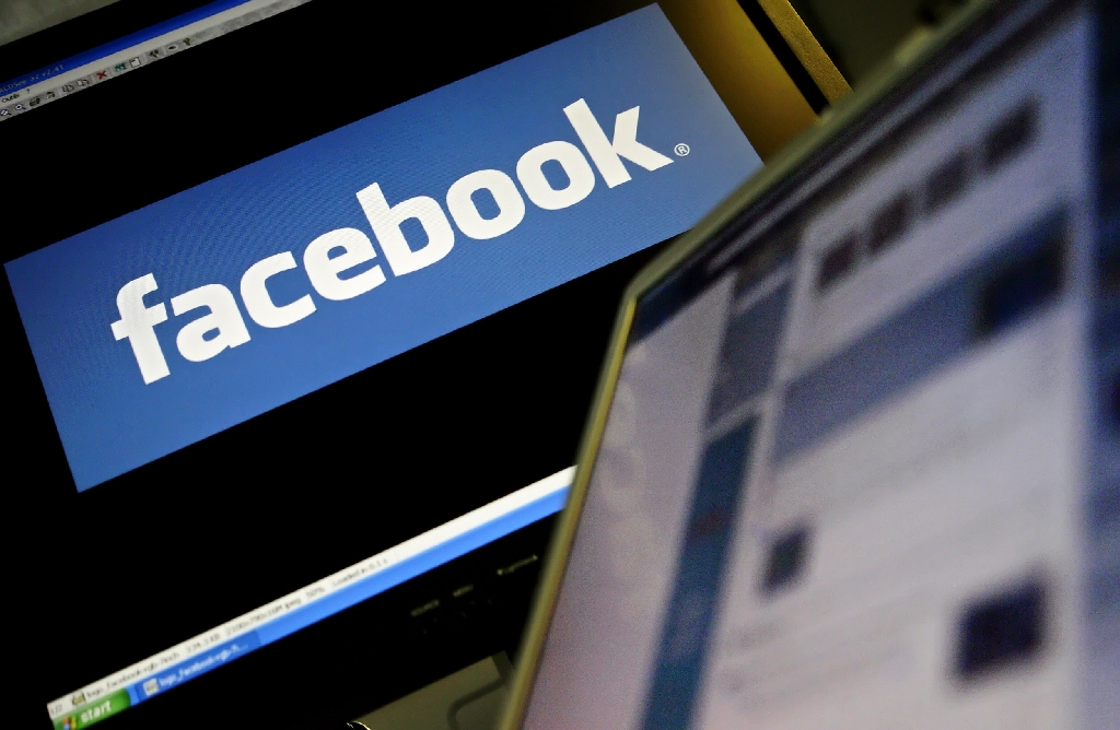 Facebook apologises for banning 'undesirable' plus-sized model