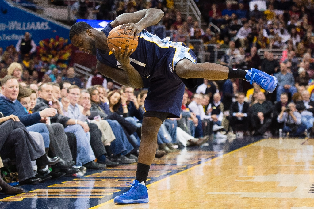 Winless NBA Pelicans waive Stephenson, expected to add Goodwin
