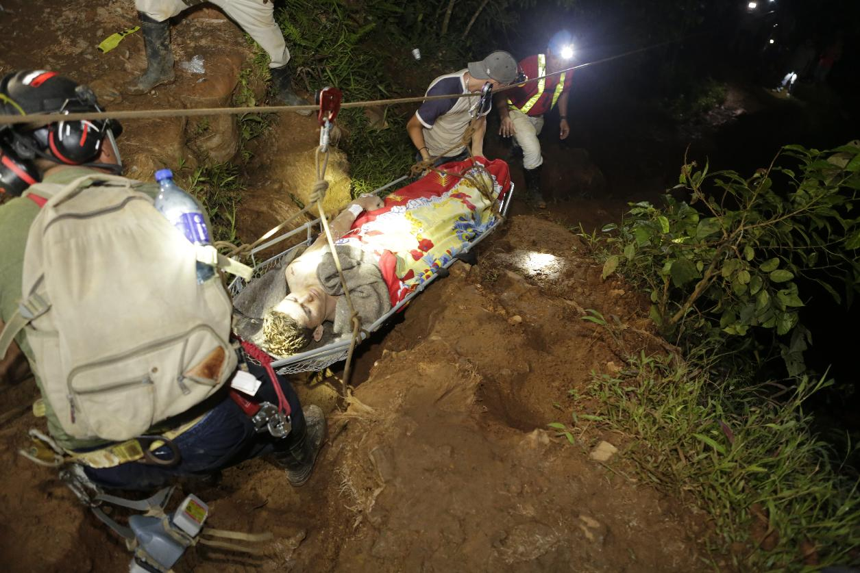 20 miners rescued, 5 still missing in Nicaragua collapse