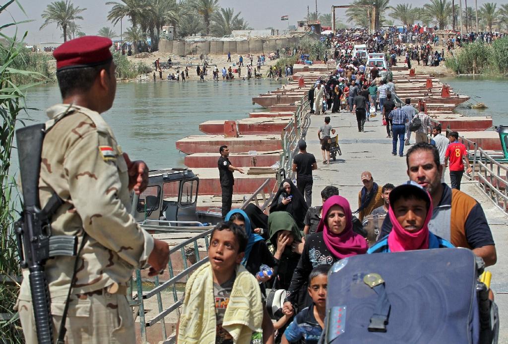 Shi'ite militias advance on Islamic State insurgents near Iraq's Ramadi
