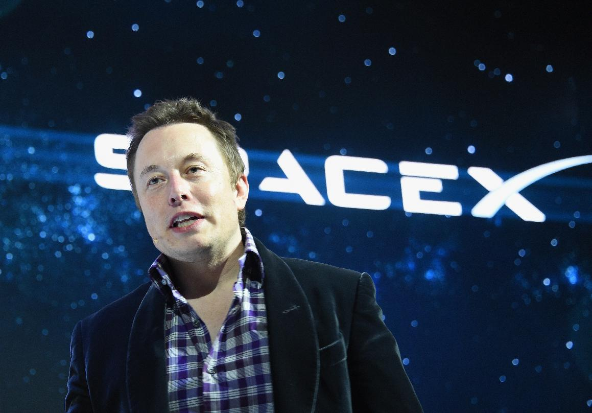 Elon Musk gets fresh challenge with space contract
