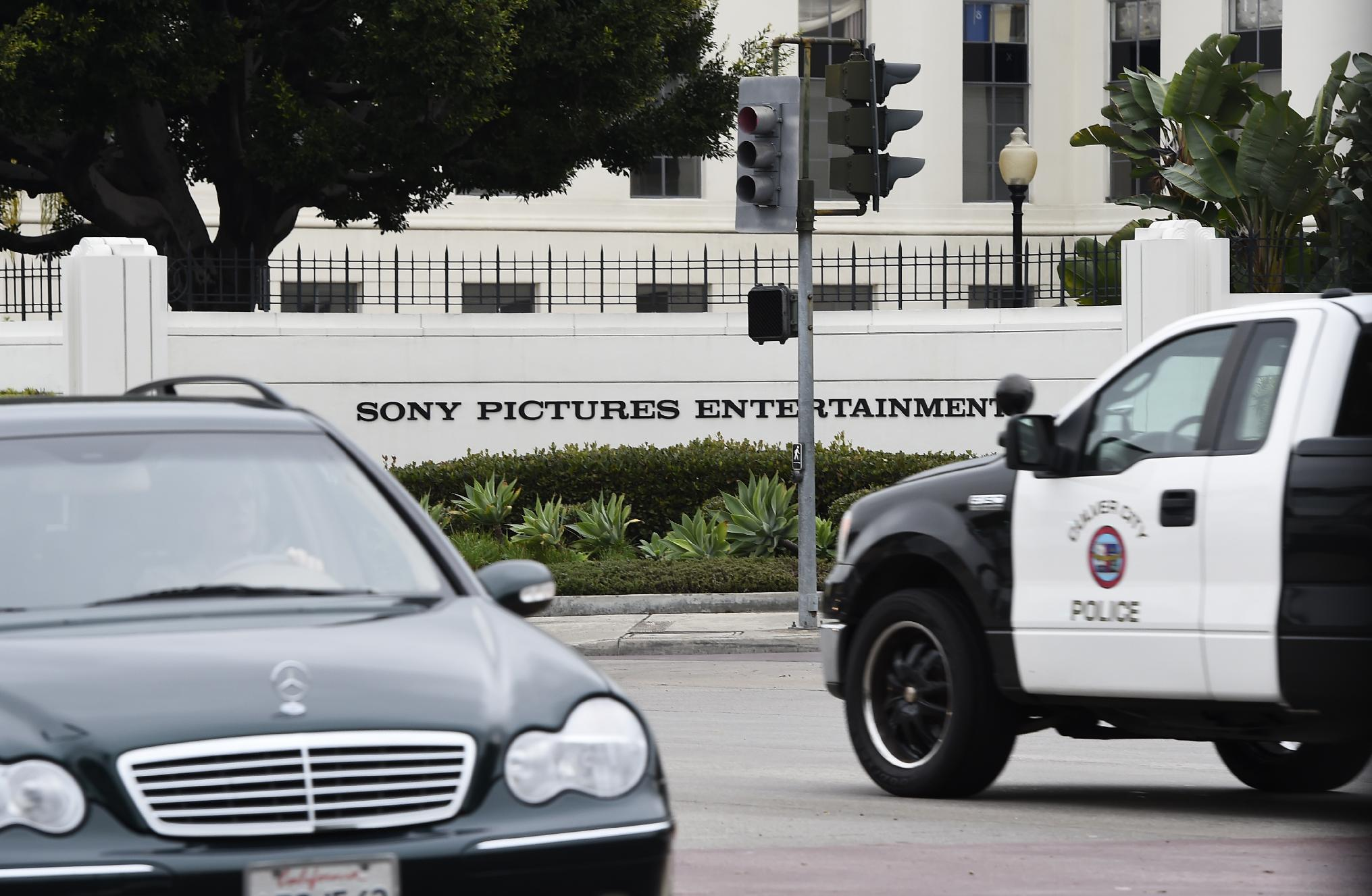 Sony cancels parody film as NKorea suspected over hack