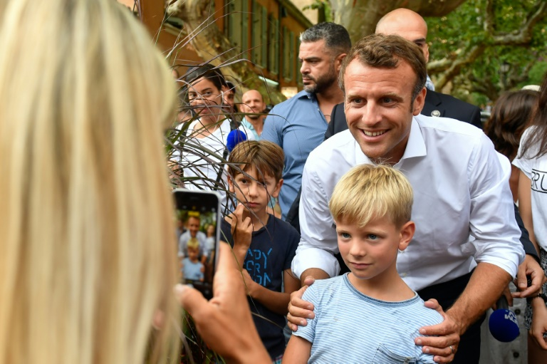 Frances Macron to host Putin ahead of G7 summit