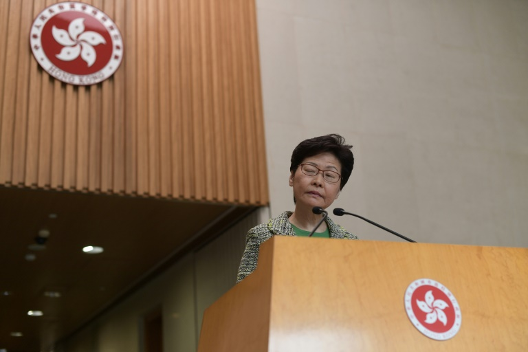 20,000 apply for chance to vent anger at Hong Kong leader