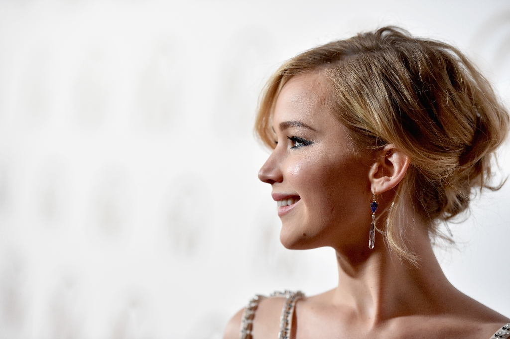 Jennifer Lawrence to play war photographer: report