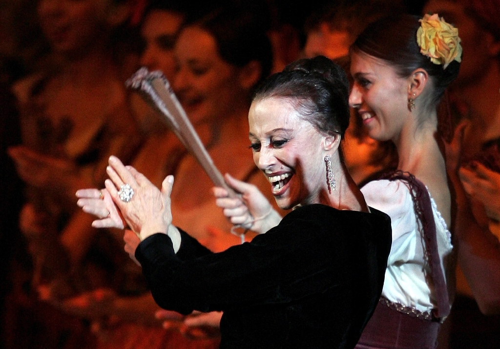 Russia mourns its ballet legend rebel Plisetskaya