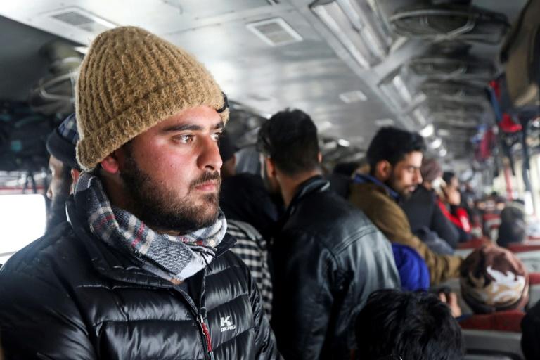 Overload on train to Kashmirs internet oasis