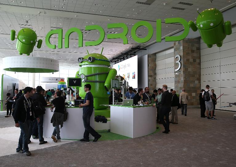 Android gains in US, basic phones almost extinct
