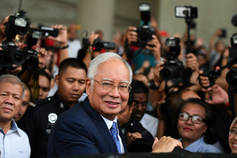$800,000 spent in one day on Malaysia ex-PMs cards, court hears