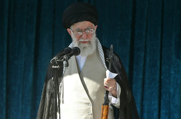 Sweeping US sanctions on Iran target leaders, oil and trade