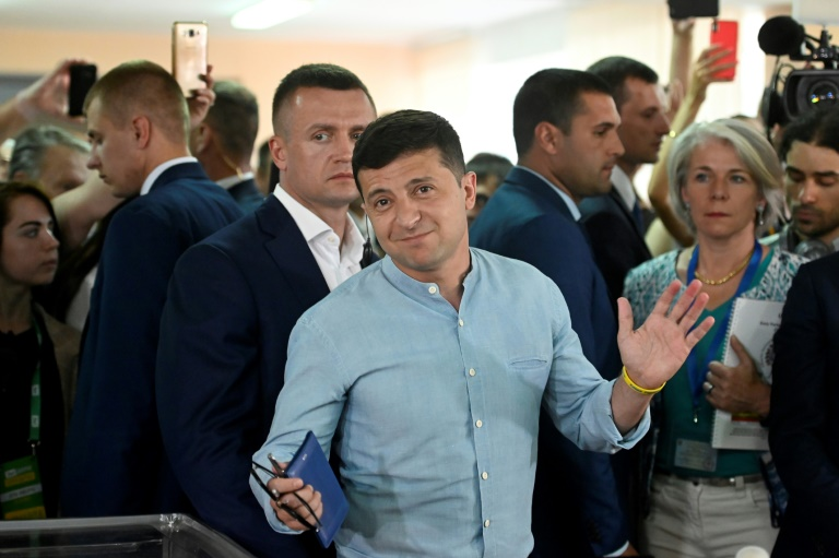 Ukraines Zelensky looks to consolidate power in parliament vote