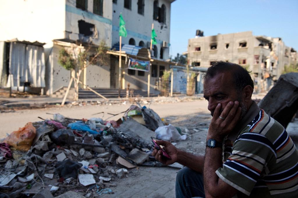 Hamas closing Gaza's mobile phone company over 'tax dodge'