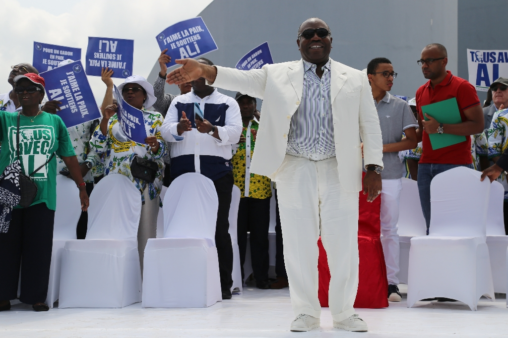Ali Bongo sworn in as Gabon president after disputed win