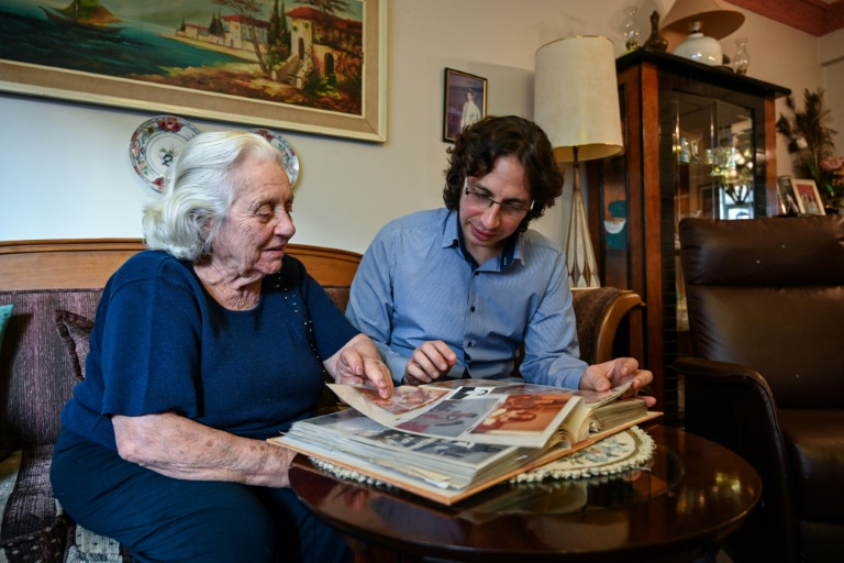 Istanbul Jews fight to save their ancestral tongue