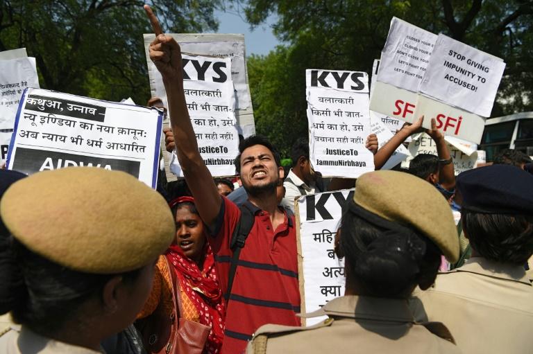 Suspicions over crash that left rape case India teen in hospital