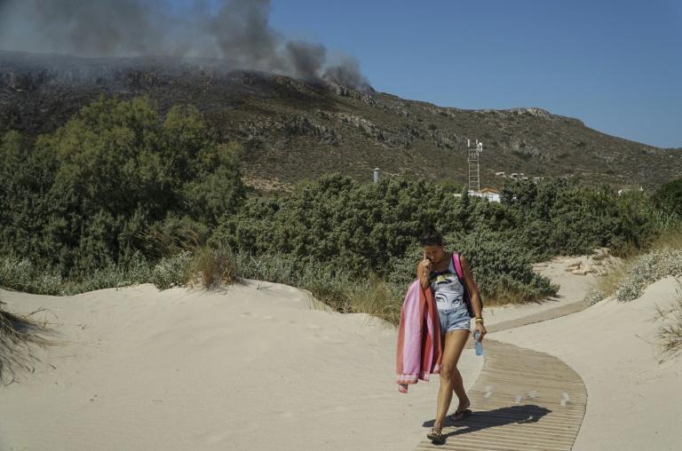 Firefighters contain major blaze near Athens