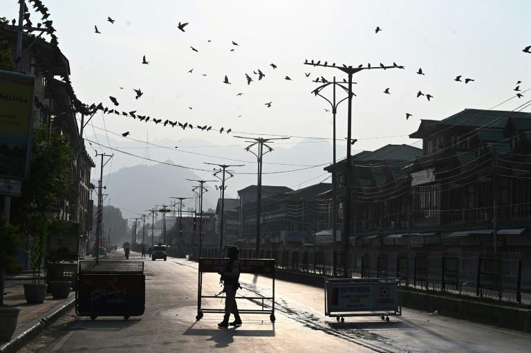 India hails historic Kashmir rule as Pakistan, China slam move