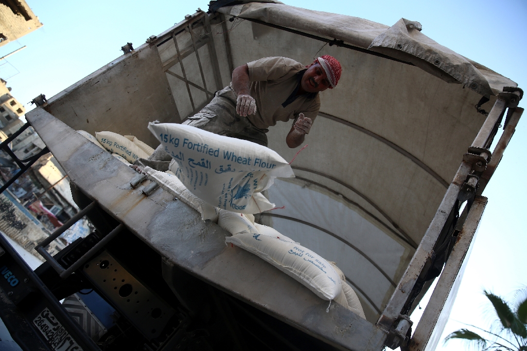 UN aid contracts 'going to Assad-linked companies'