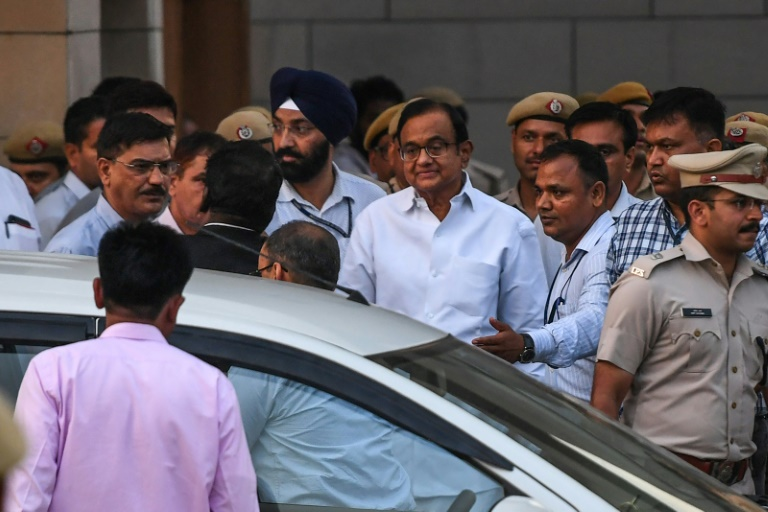 India ex-finance minister detained over corruption claims