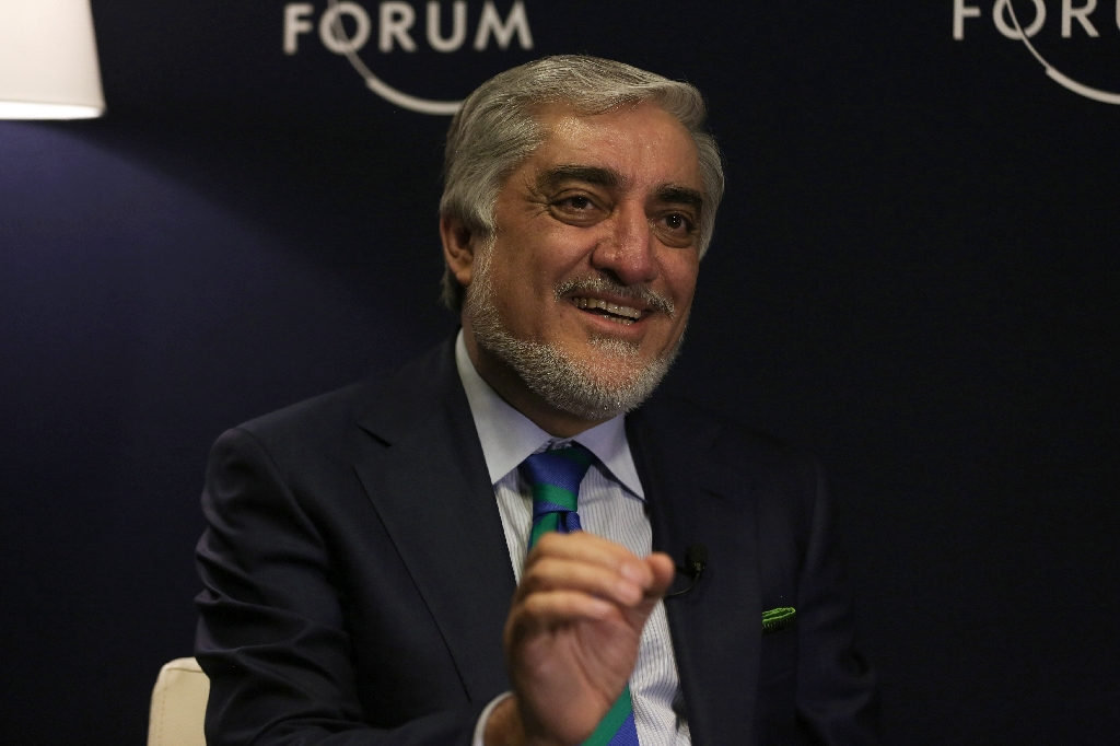 Abdullah supports delegation for Taliban talks
