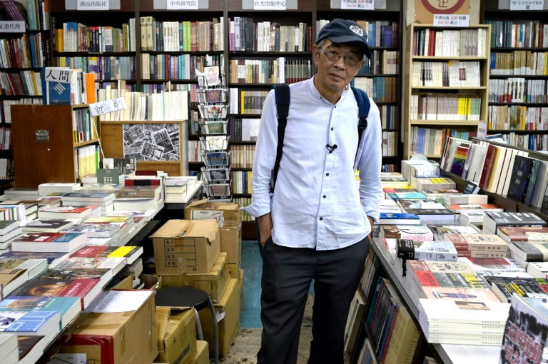 HK bookseller held in China raises $100,000 to open Taiwan store