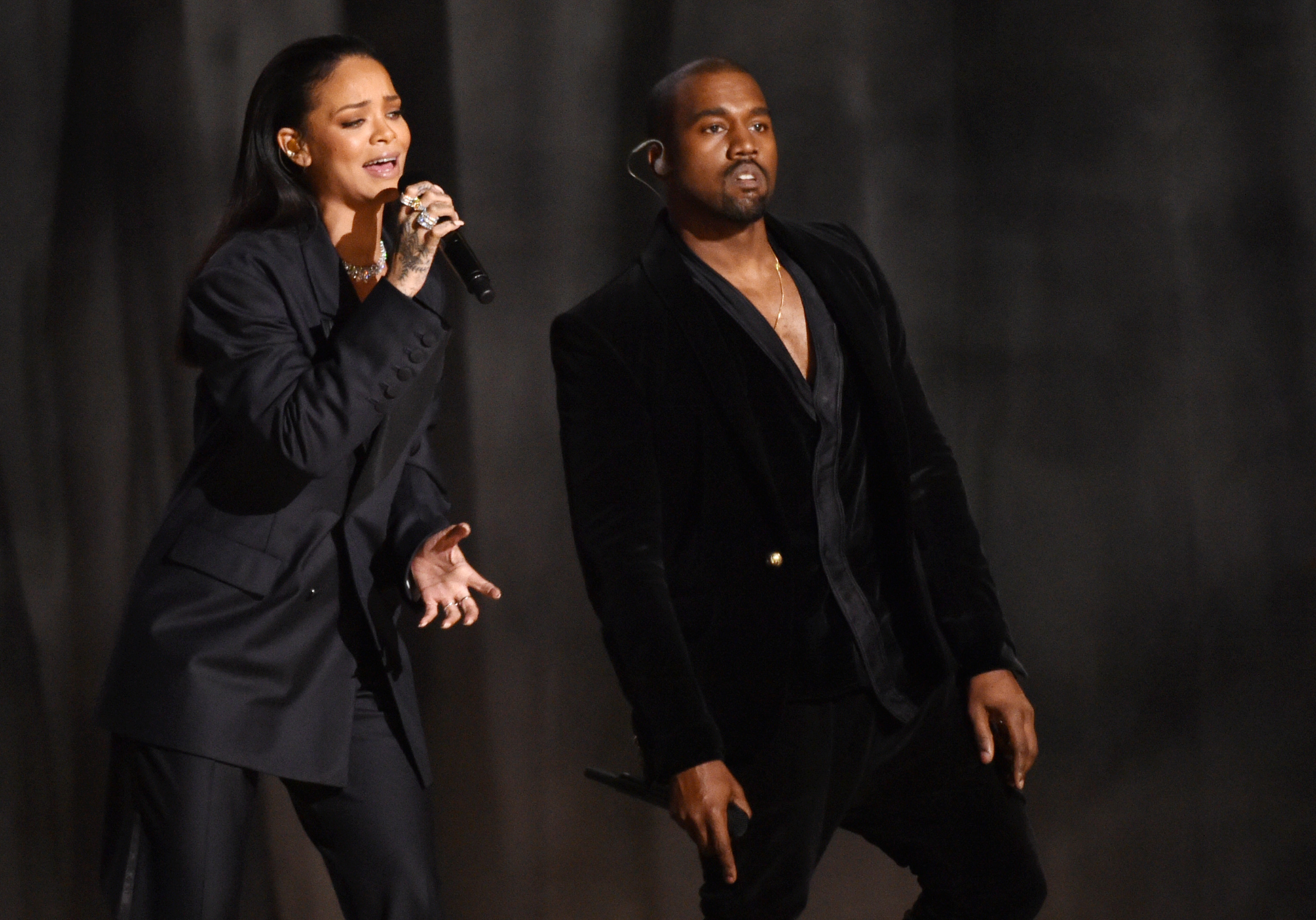 Kanye West tweets apology to Beck for Grammys disruption