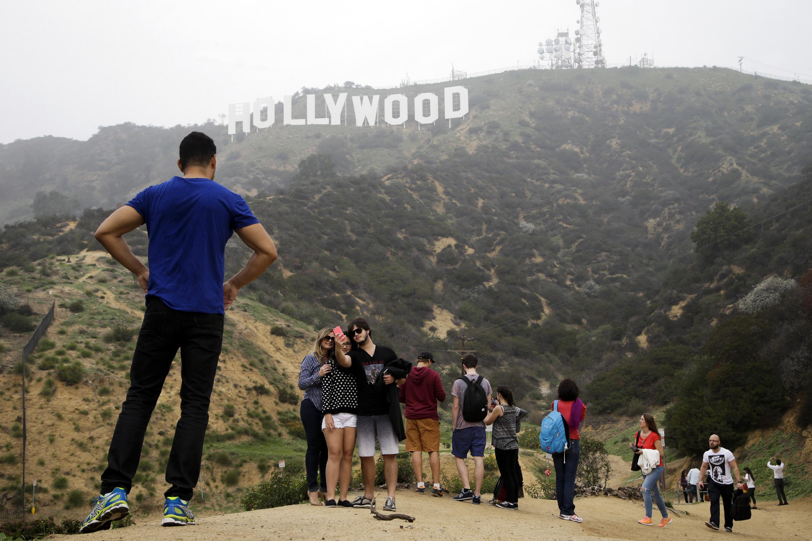 Seekers of the Hollywood Sign disrupt nearby neighborhood