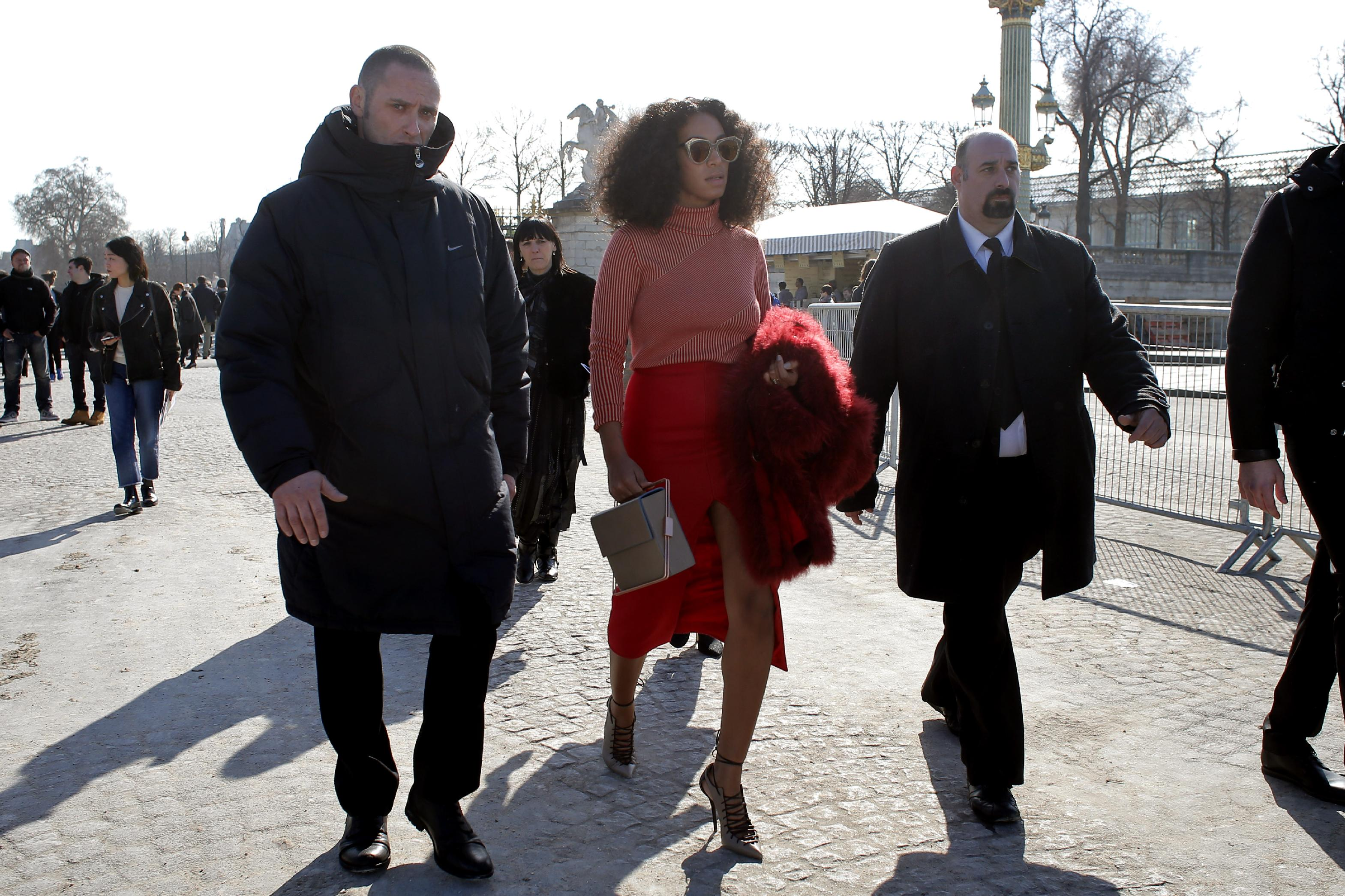 So late Solange holds up Paris Fashion Week