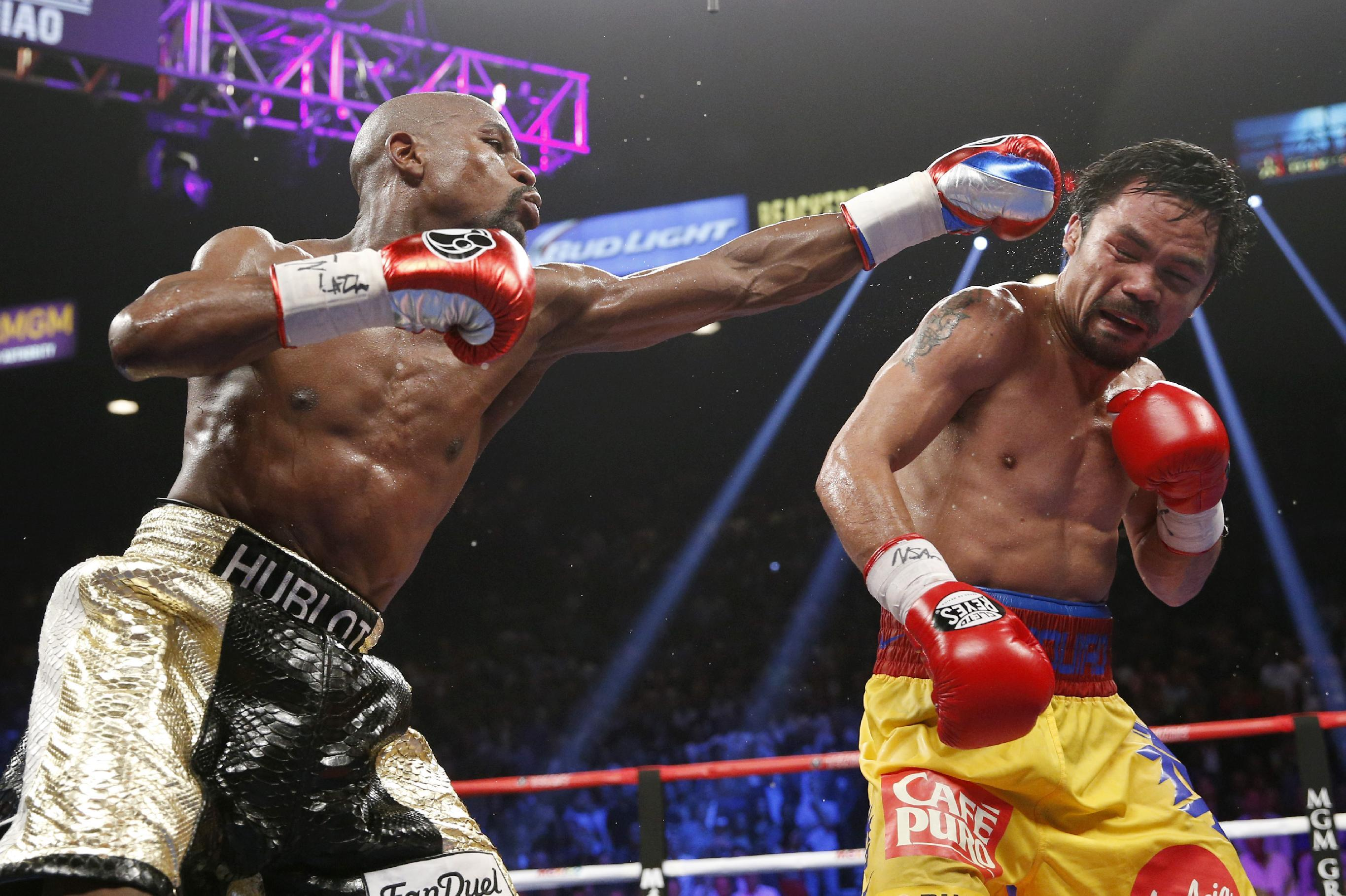 Boxing match pops up on phones as TV habits change