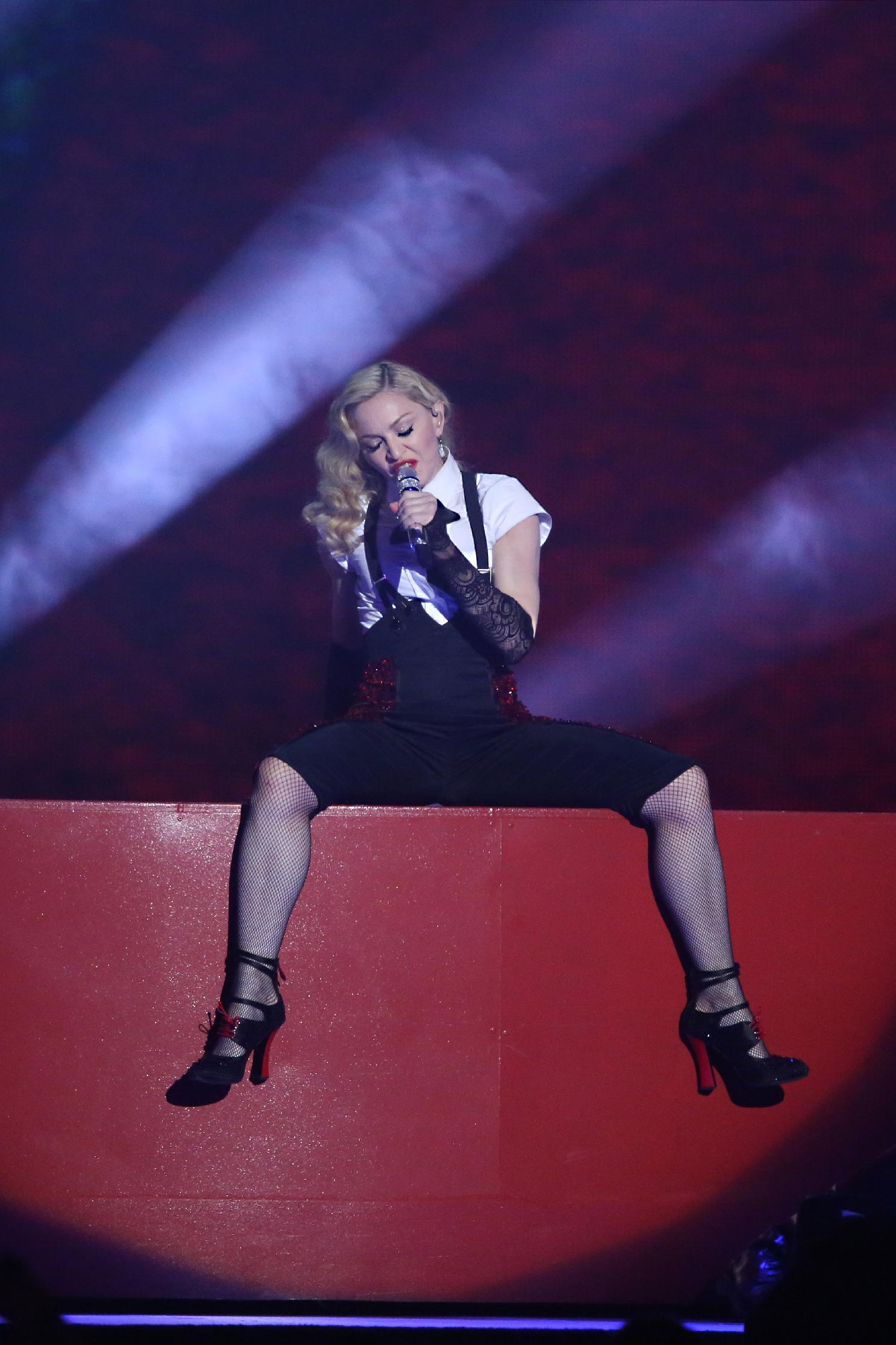 Madonna denounces rise of far right in Europe