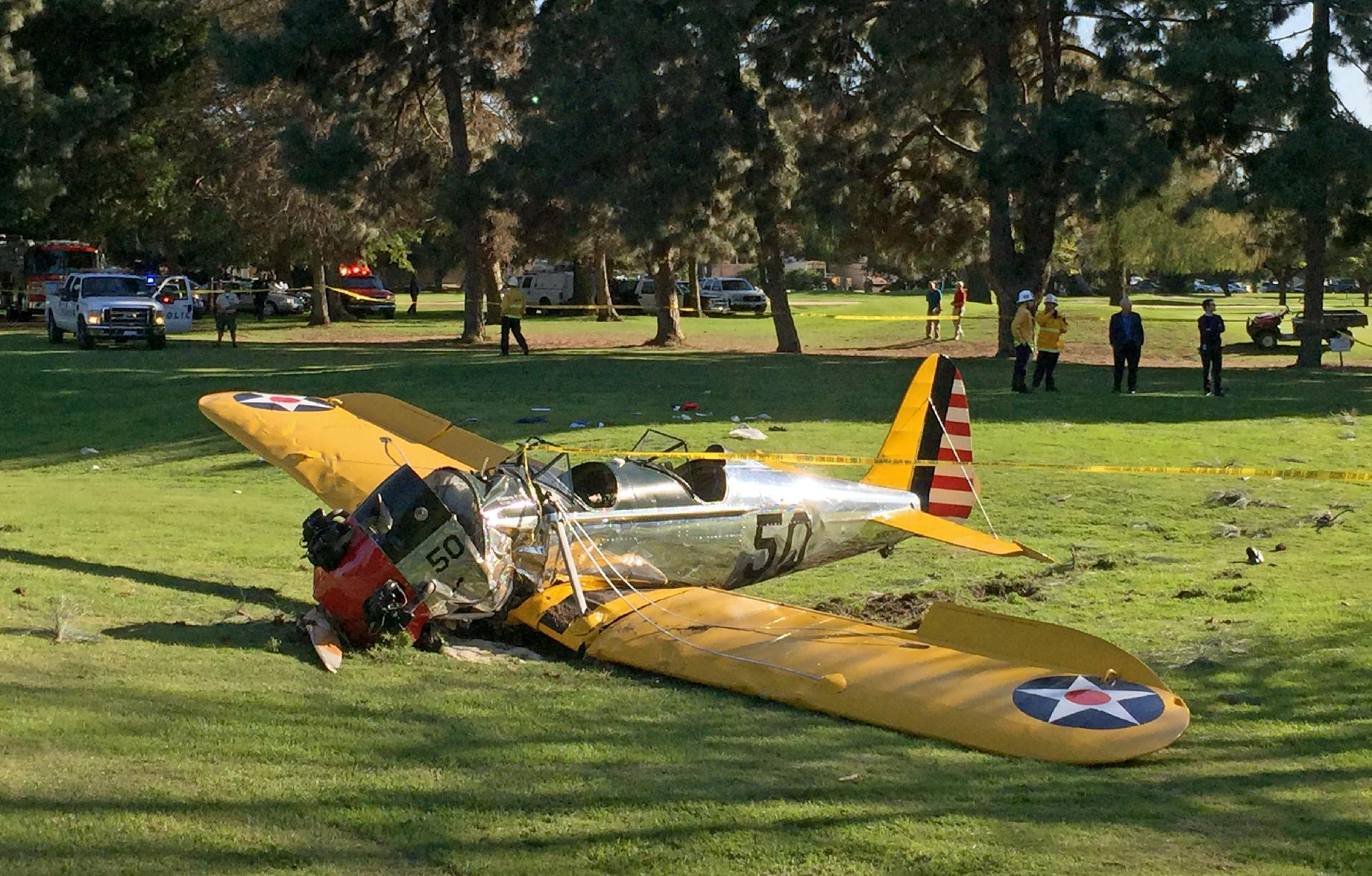 Harrison Ford survives crash-landing on golf course