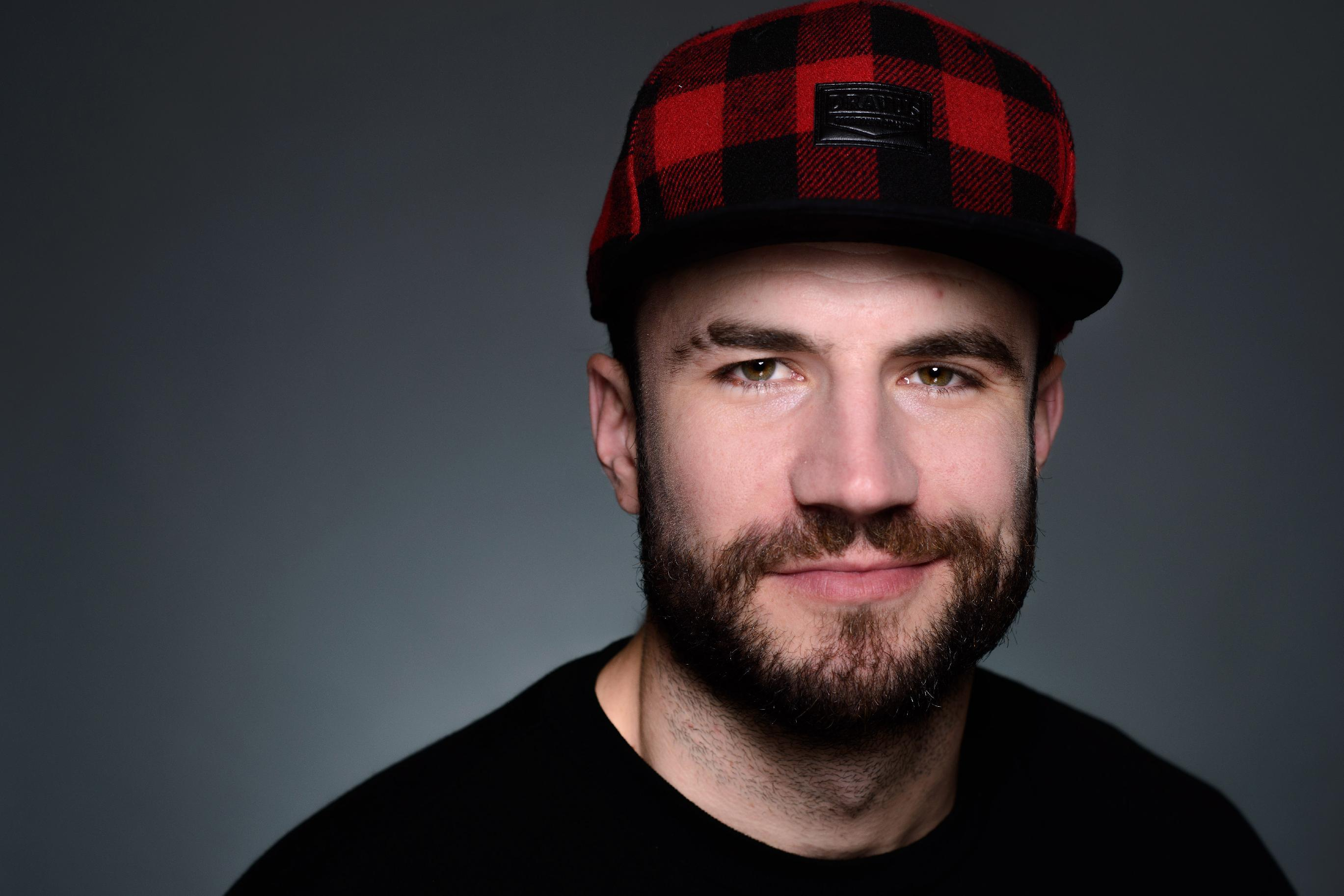 Singer Sam Hunt rising in both country and pop worlds