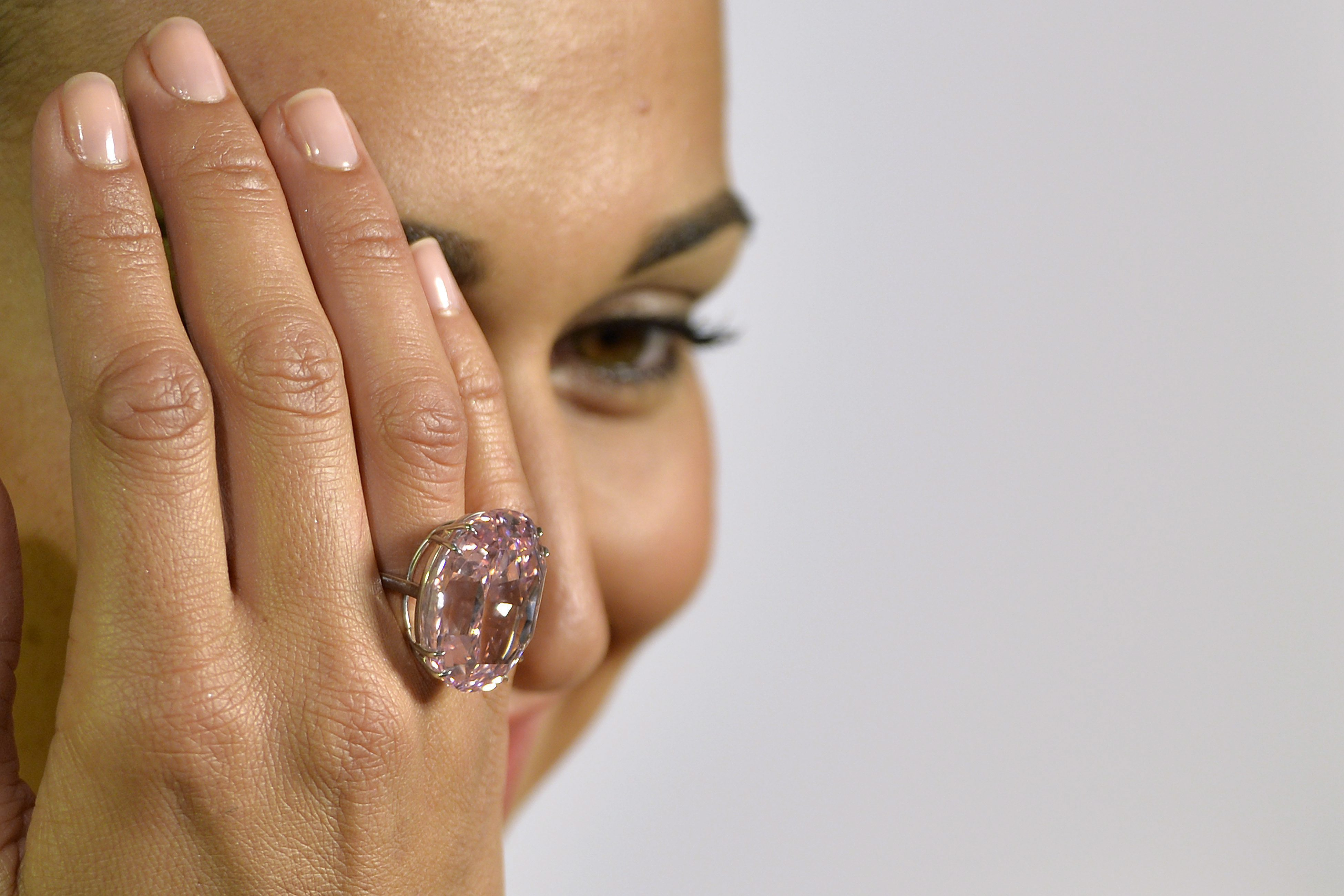 5 million dollar wedding ring pictures