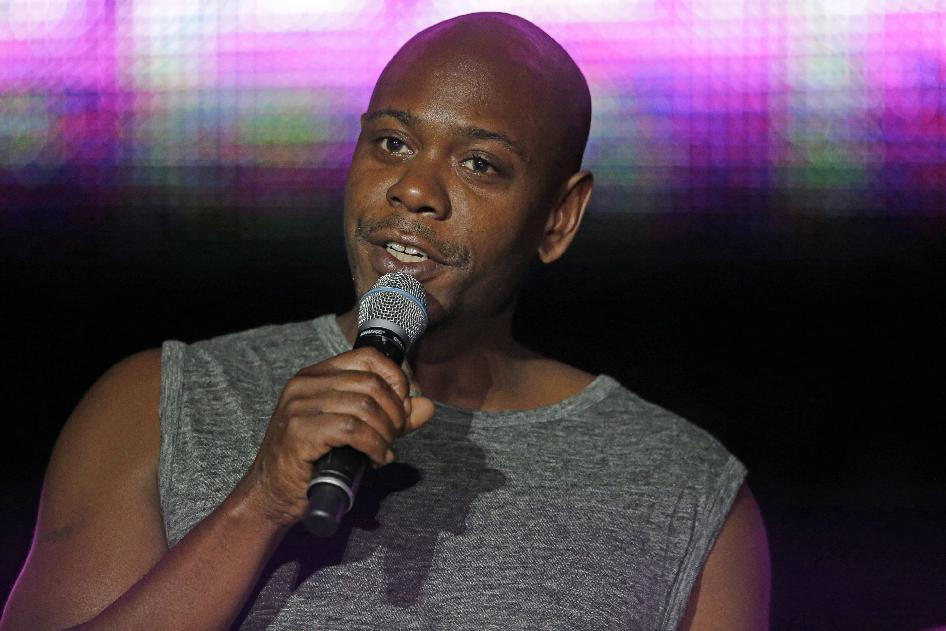 Banana peel hits comedian Dave Chappelle on New Mexico stage
