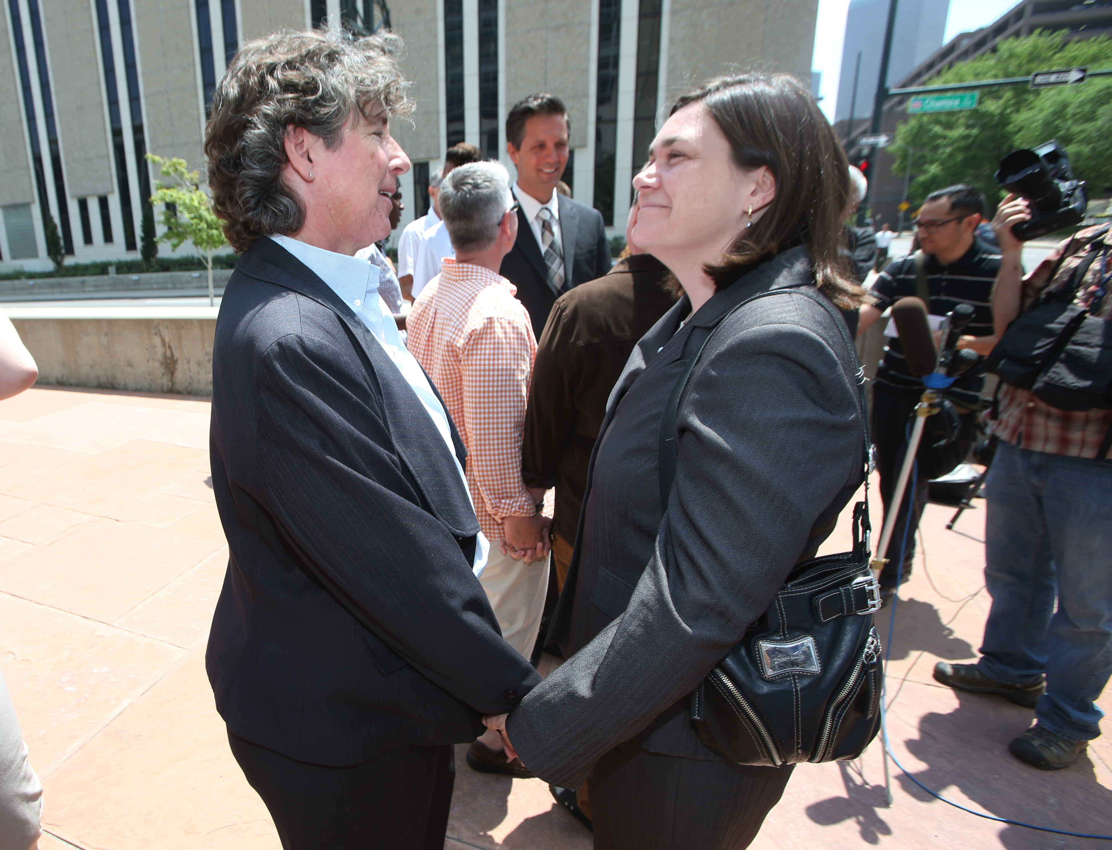 Judge strikes down Colorado gay marriage ban