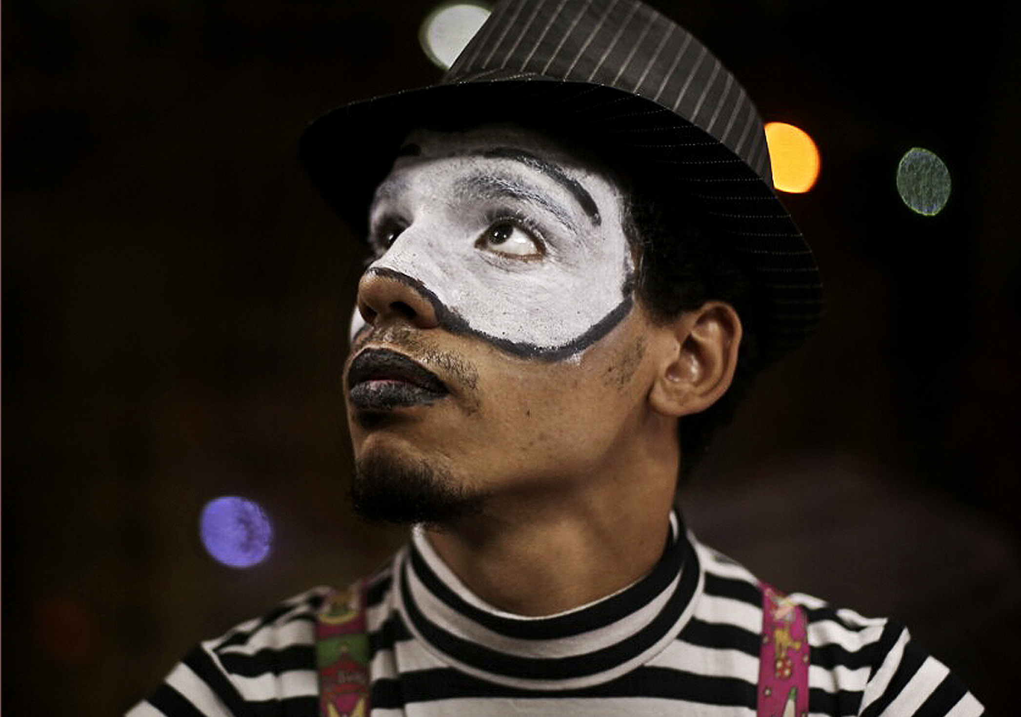 AP PHOTOS: Sheetos, the street-mime of Cairo