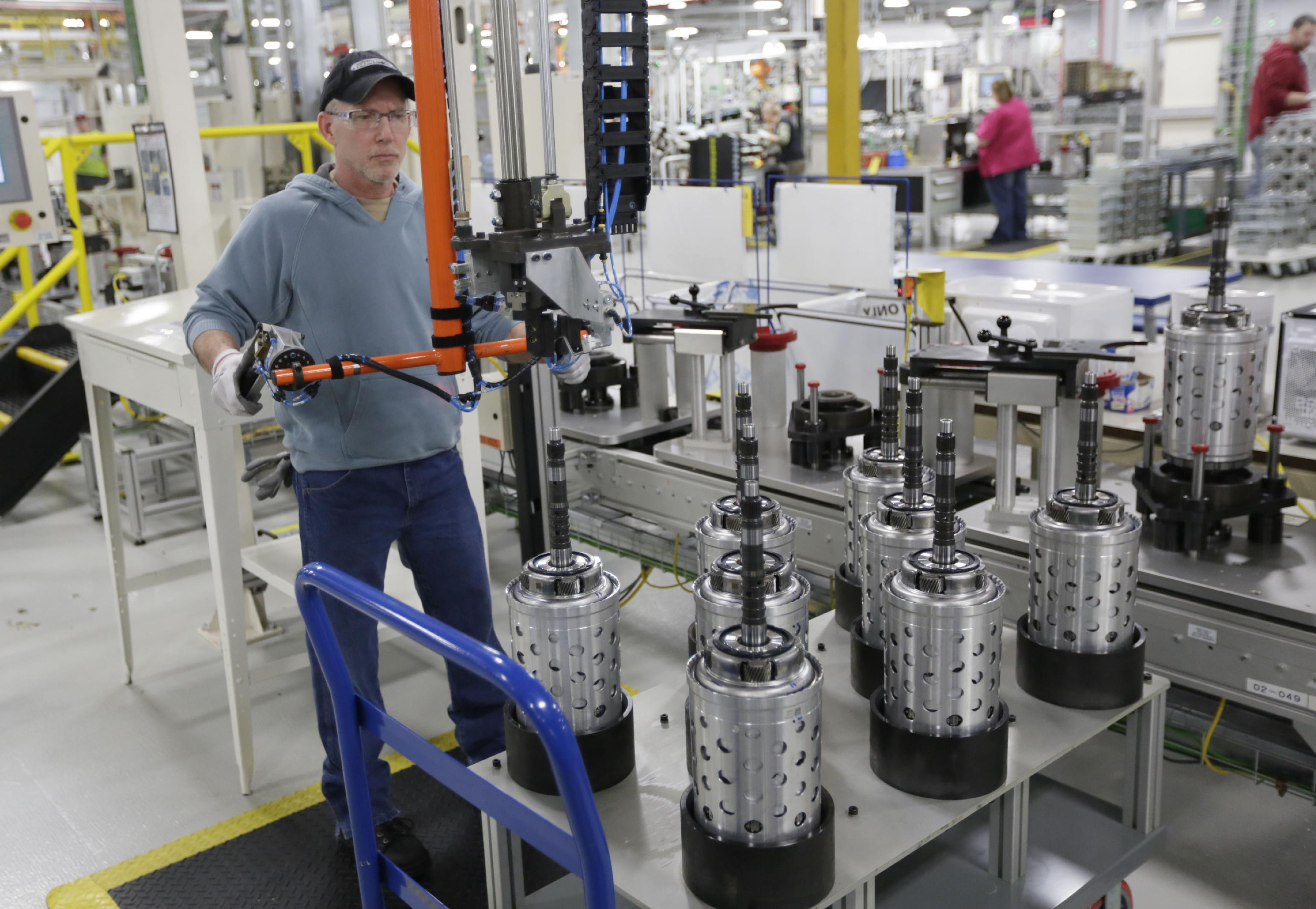 A worker on the assembly line at the Chrysler transmission plat in Kokomo, Ind. (AP Photo/AJ Mast, File)