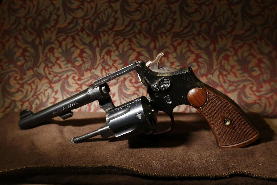 Gun owned by agent who toppled Capone headed to Vegas museum