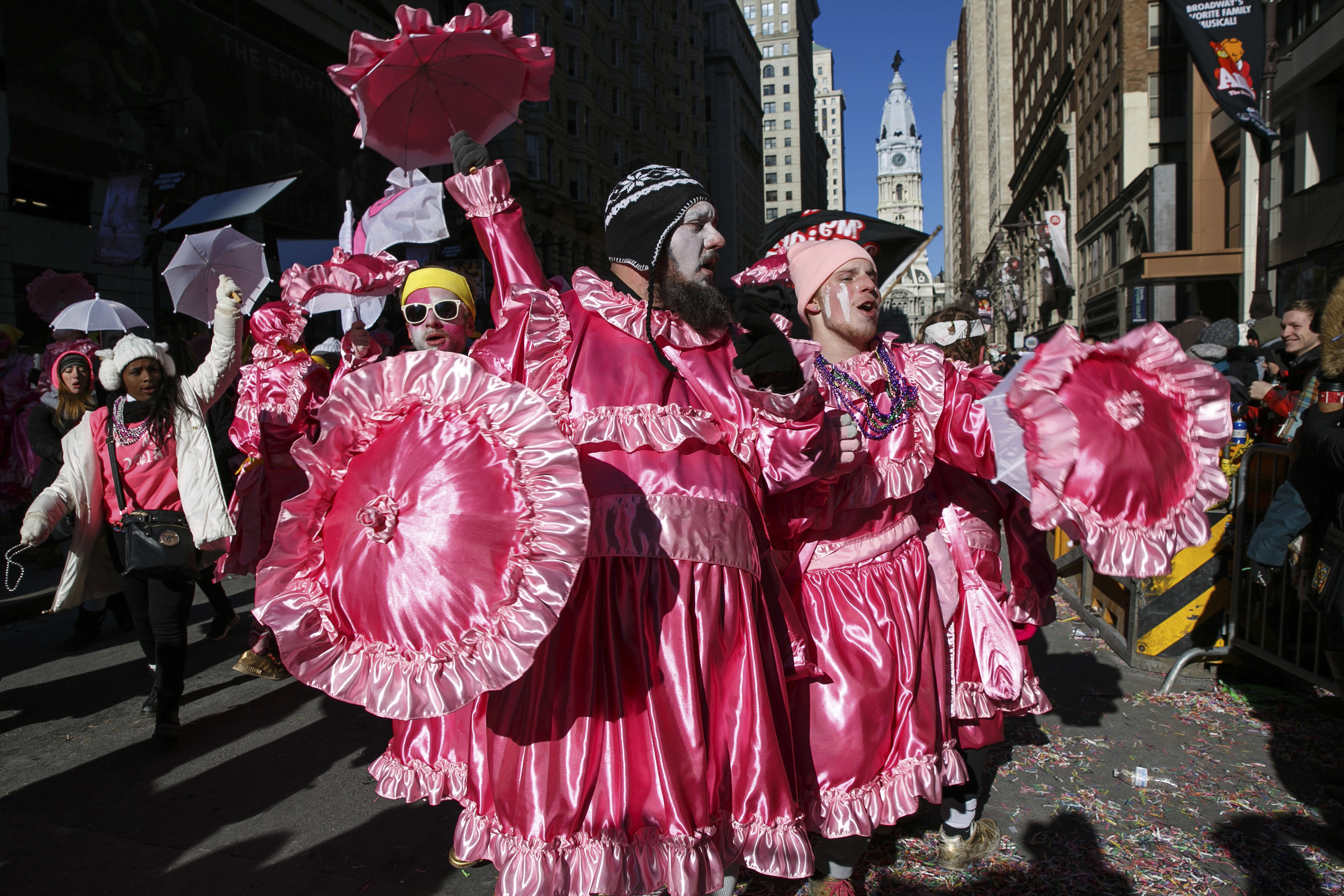 Mummers parade goes on as planned despite bone-chilling cold