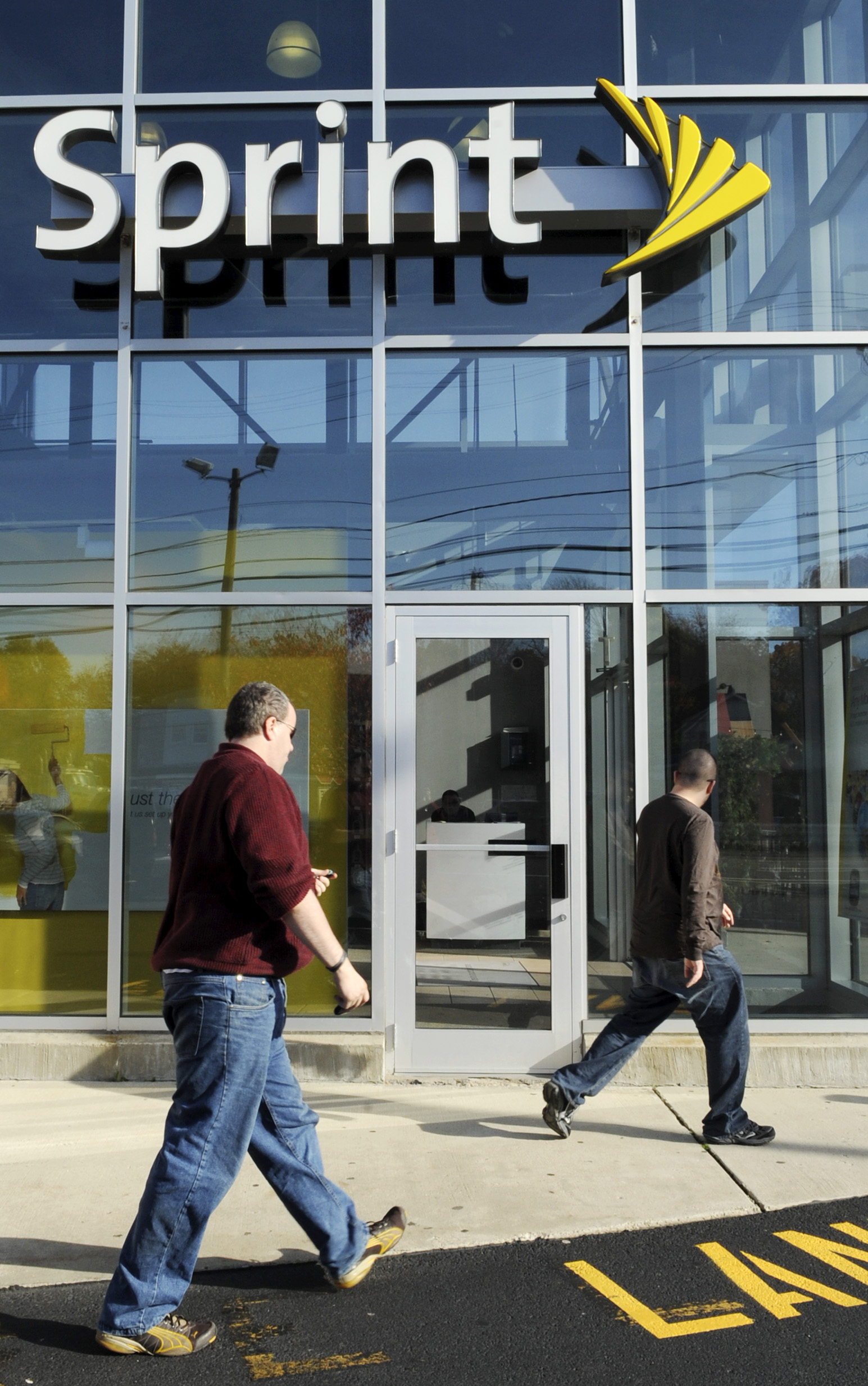 In Tech: Lifetime video service, Sprint's new price plans