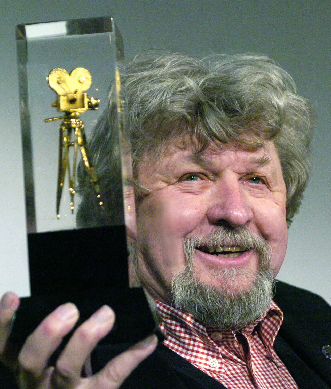 Oscar-nominated Czech cameraman Miroslav Ondricek dies at 80
