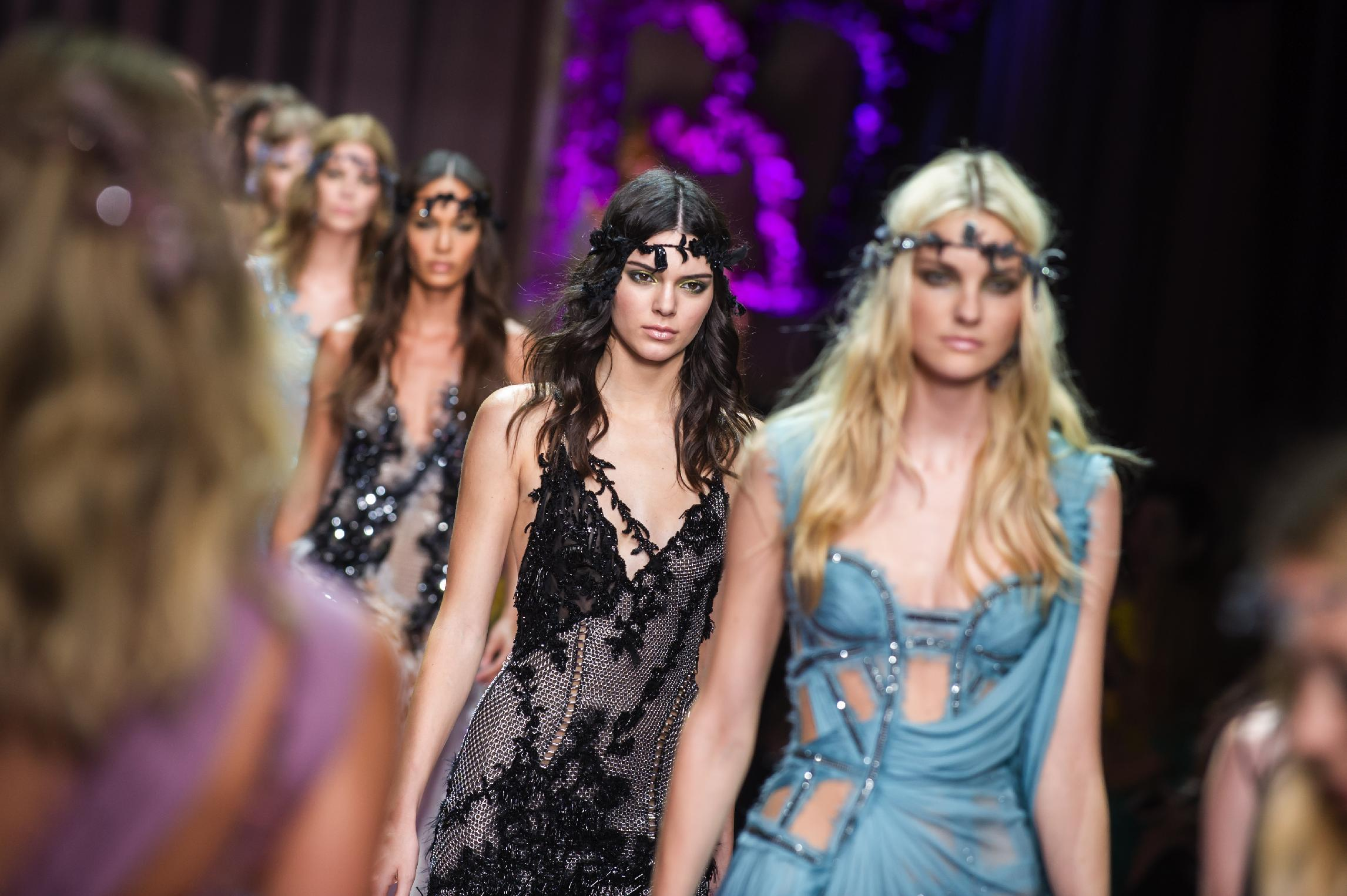 Versace kicks off Paris couture week in style