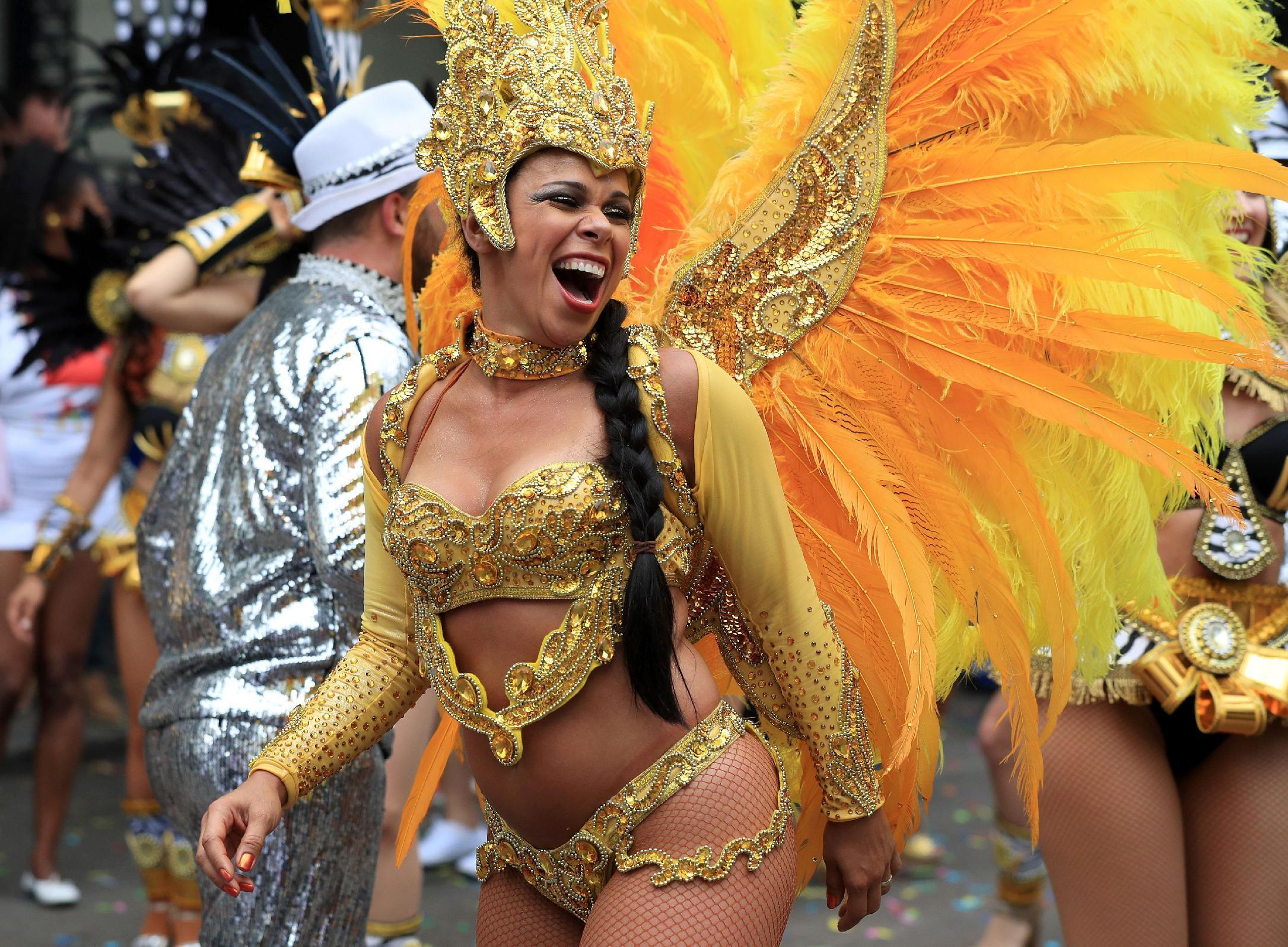 London police arrest 240 at Notting Hill Carnival