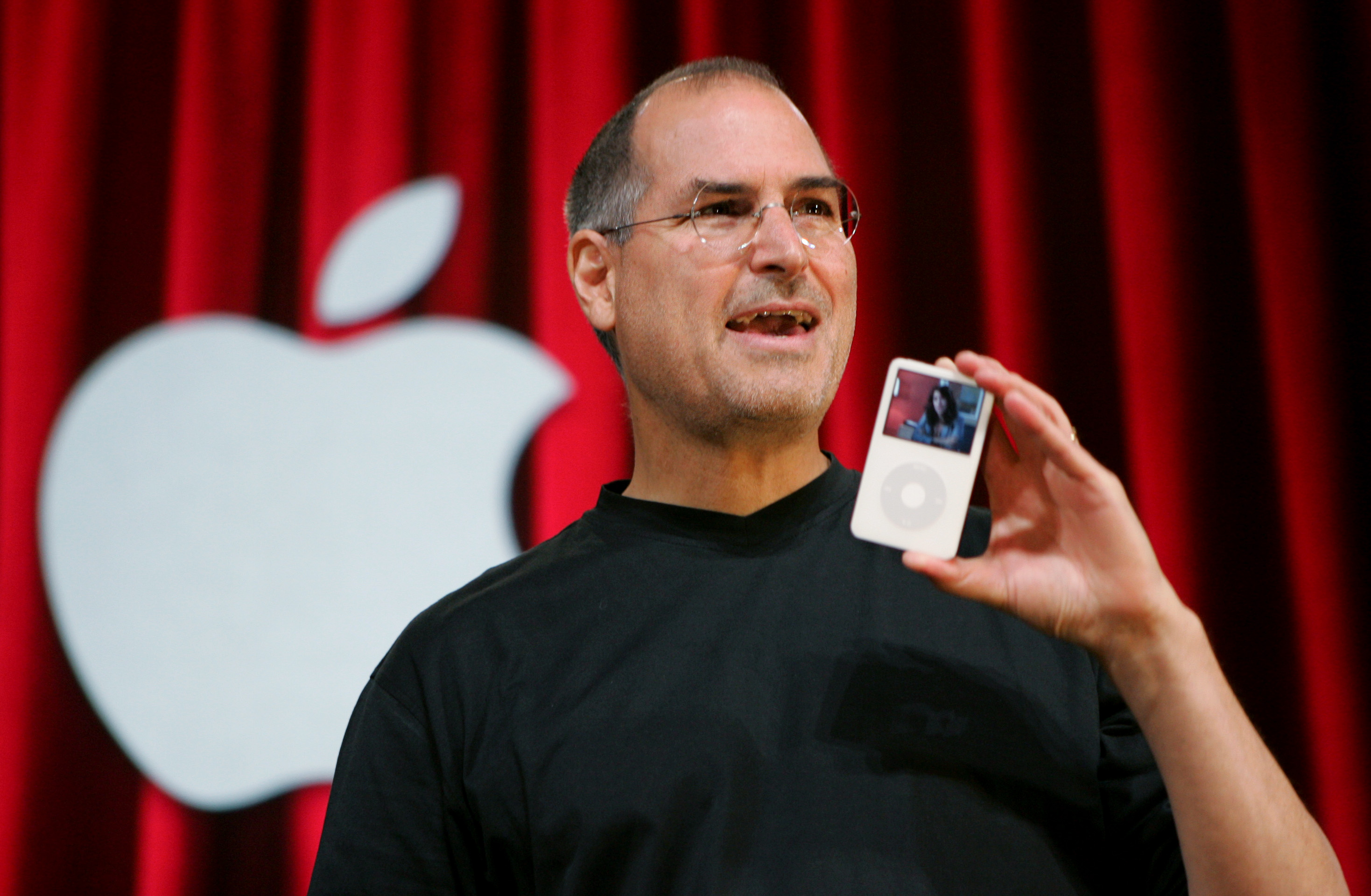 In emails, Jobs determined to keep iPod Apple-only