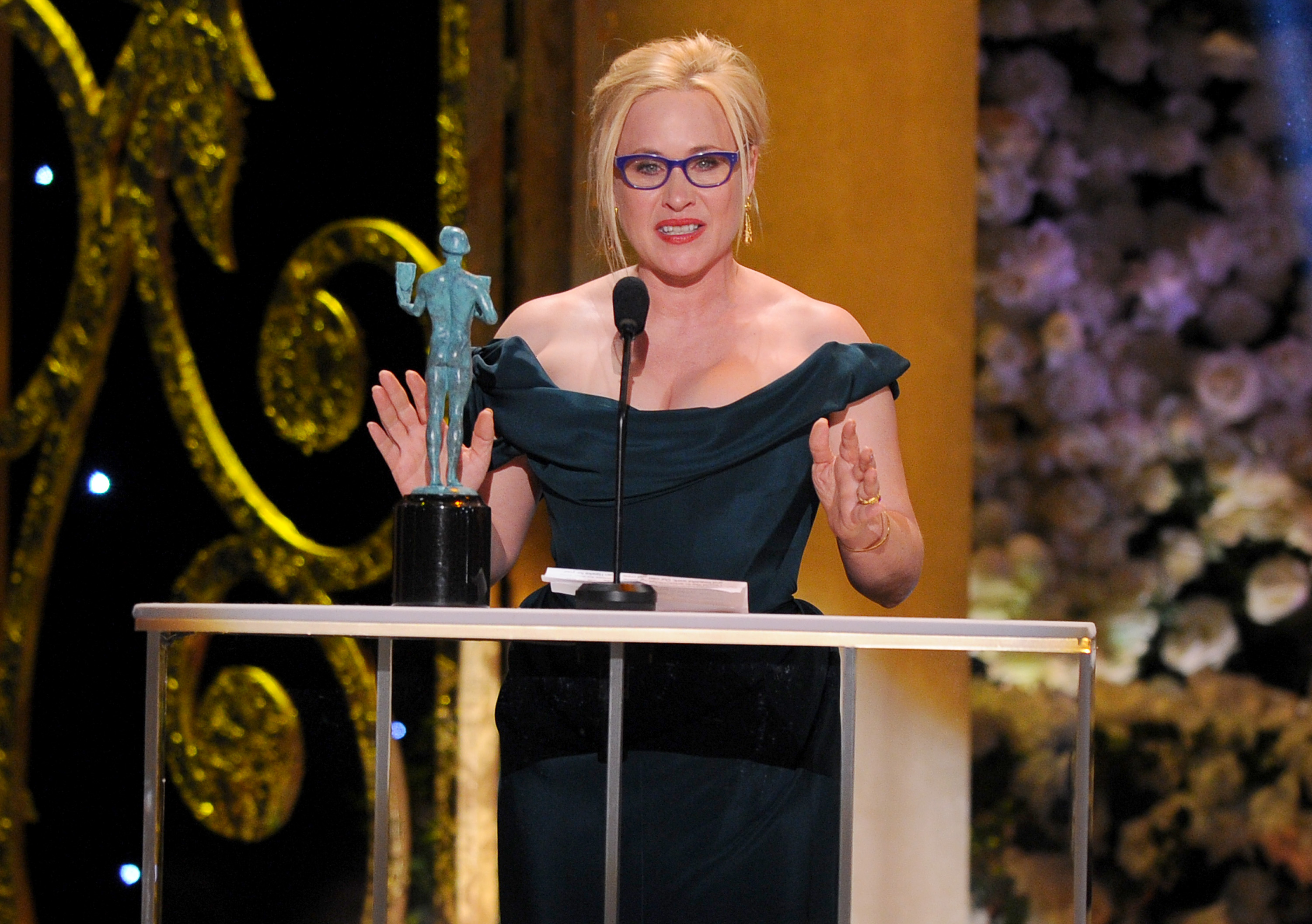 Arquette, Simmons take supporting honors at SAG Awards