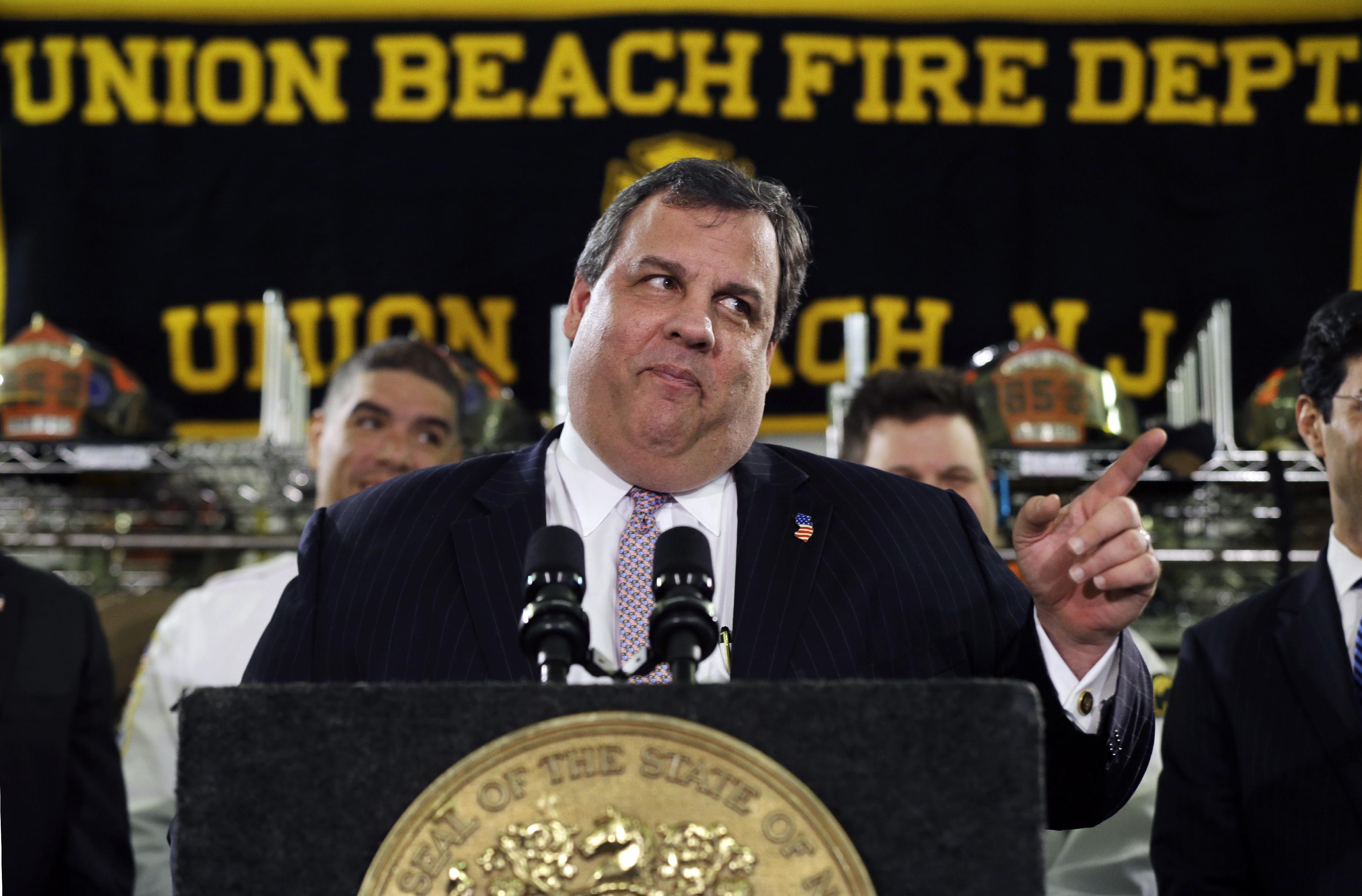 New Jersey Gov. Chris Christie is picking a fight with the federal government. (AP)
